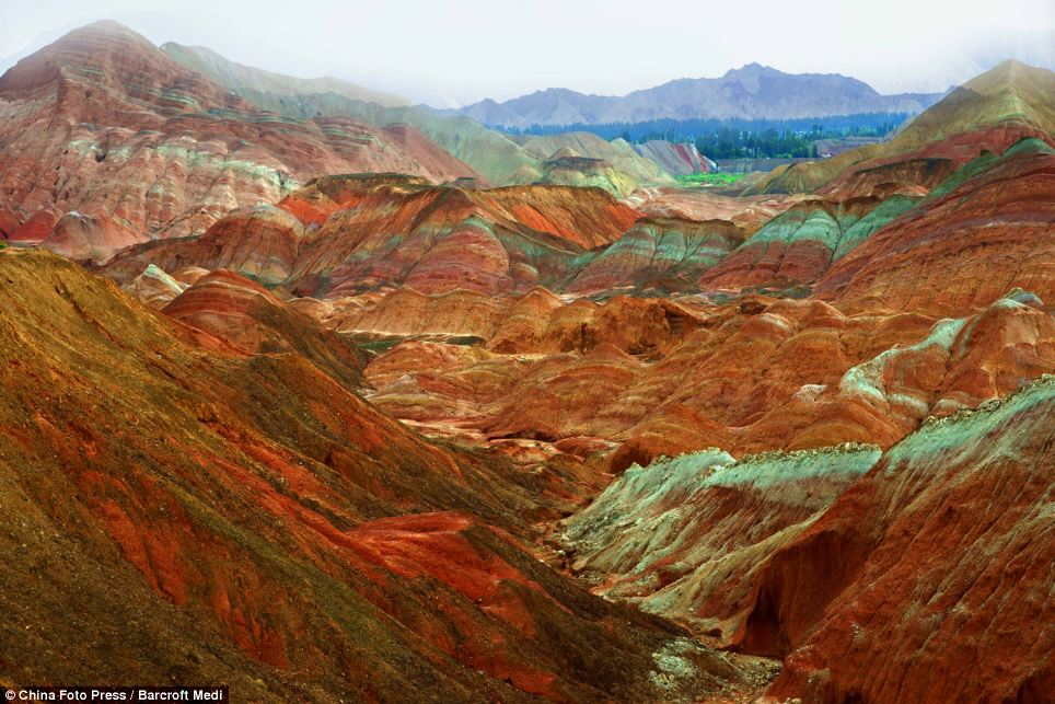 Danxia Rainbow Mountains China 4