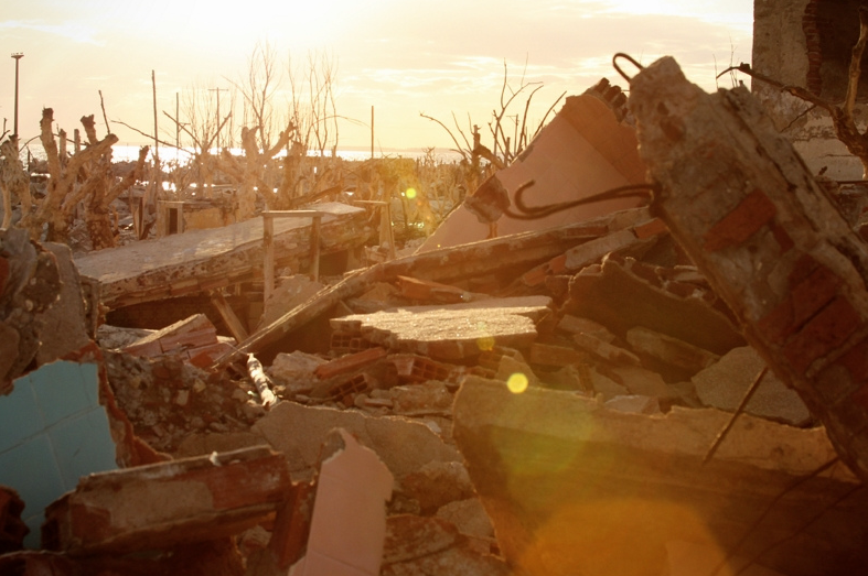 Buenos Aires - Villa Epecuen - Salt Lake Atlantis - Sun Set Rubble