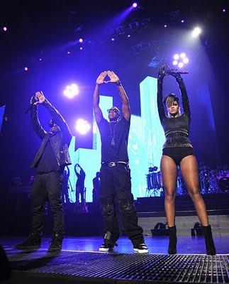 Illuminati Rihanna Jay Z Hand Shap Triangle