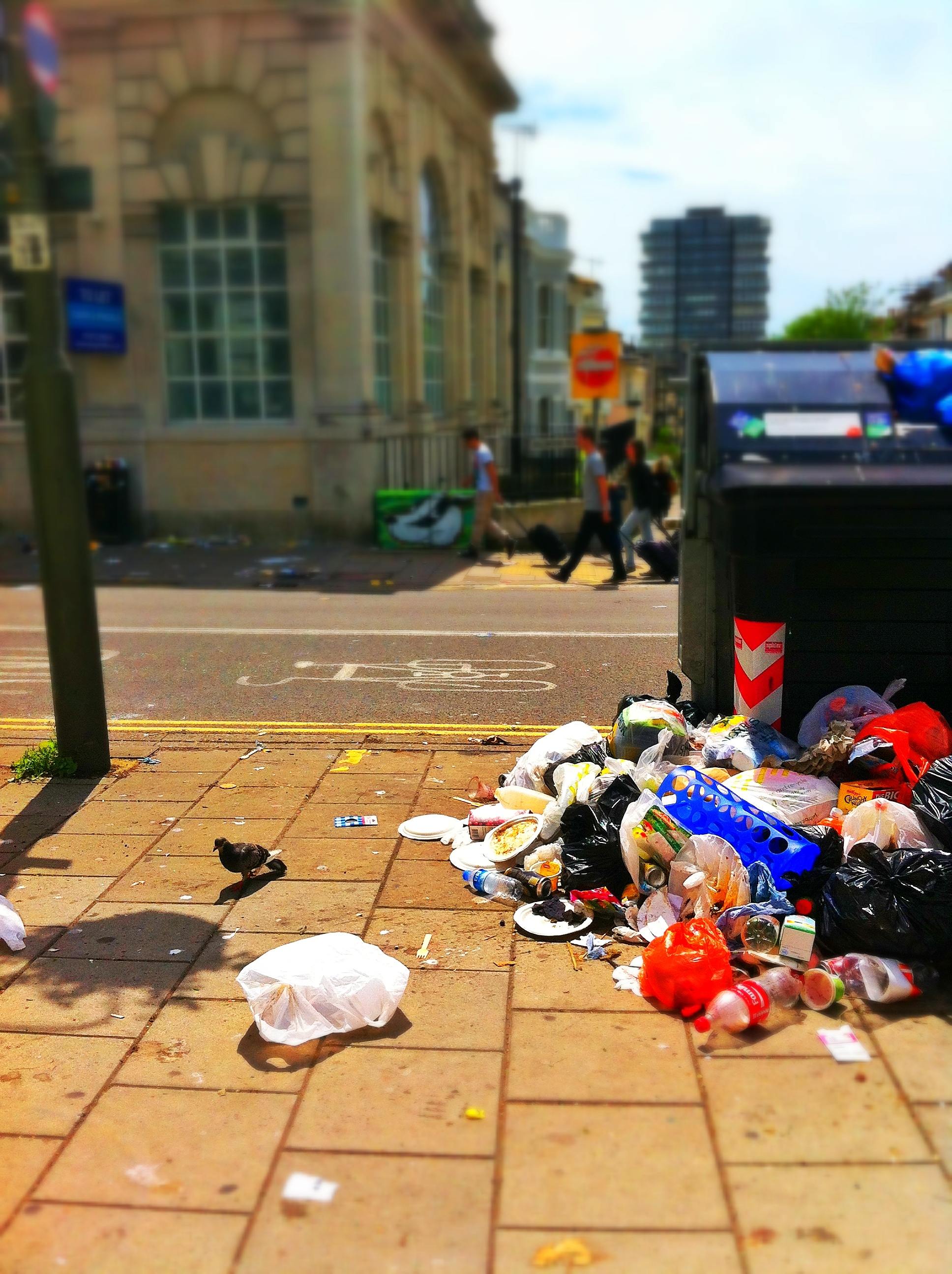 Brighton And Hove - Binmen Strike 2013 - Western Road Dump