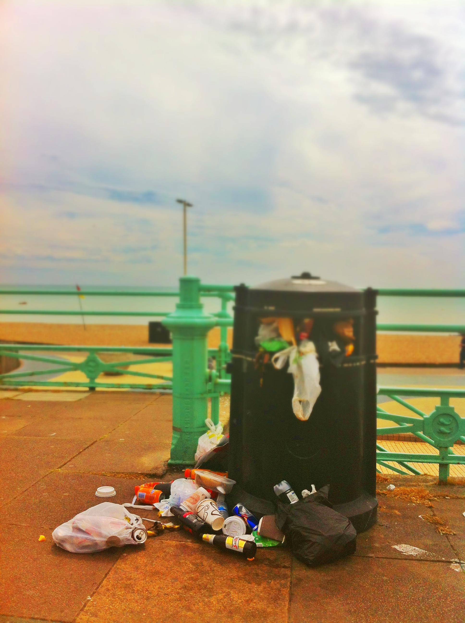 Brighton And Hove - Binmen Strike 2013 - Seafront rubbish
