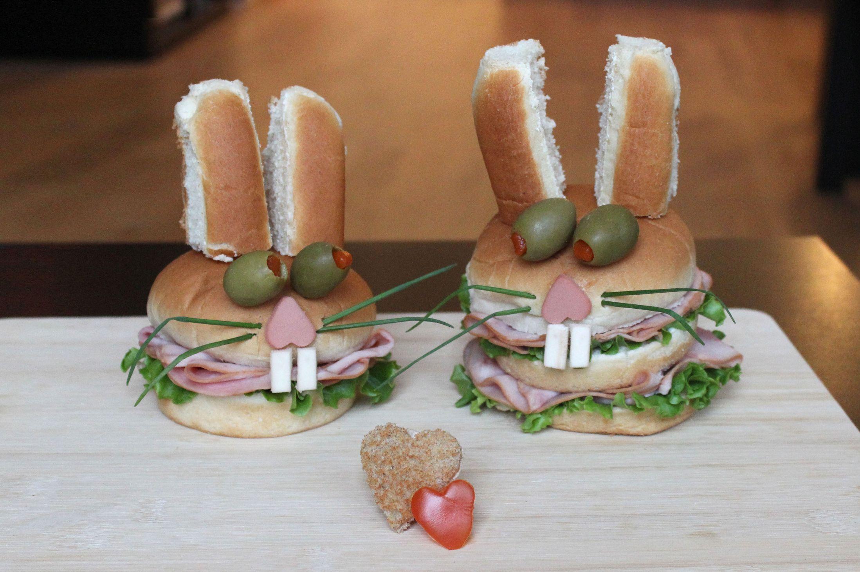 Kasia Haupt - Sanwich Art Sculpture - Finger Roll Rabbits