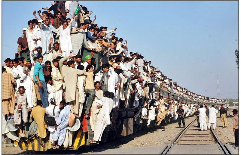 Pakistan Funny Railway Crowded Train Dangerous