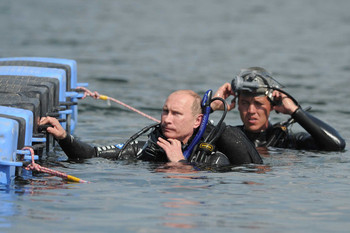 Putin Looking Like Hero James Bond - Diving