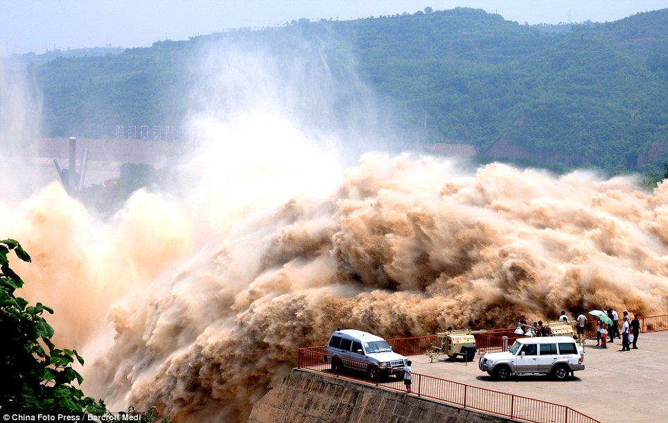 Silt - Xiao Lang Di Dam - Yellow River Clearance - Amazing Picture