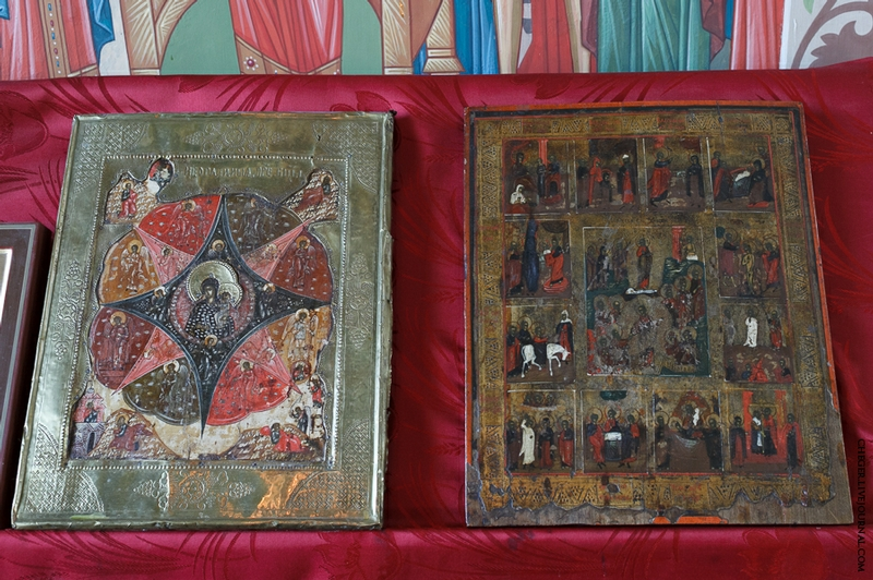 Malinovsky monastery - Russia - Old Bibes Ornate