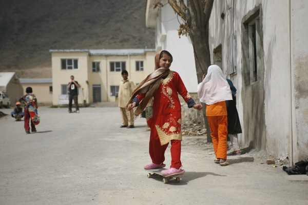 Skateistan - Afghan Girls Skateboarding - Kabul