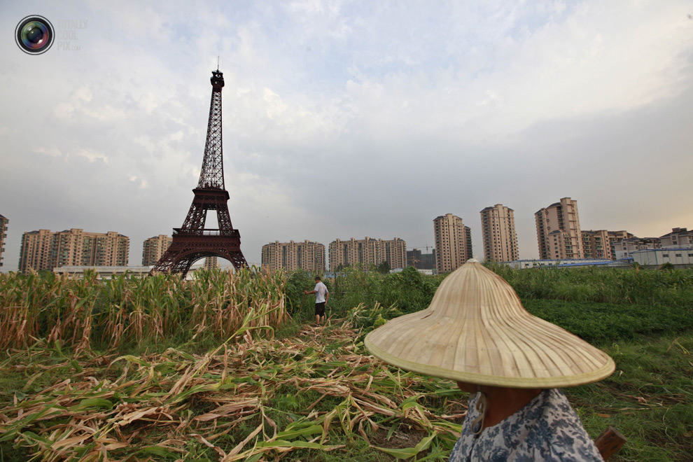 Tianducheng Fake Paris In CHina - Eiffel Rower in field