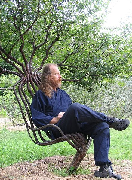 Arborsculpture - tree shaping - garden chair - Peter Cook