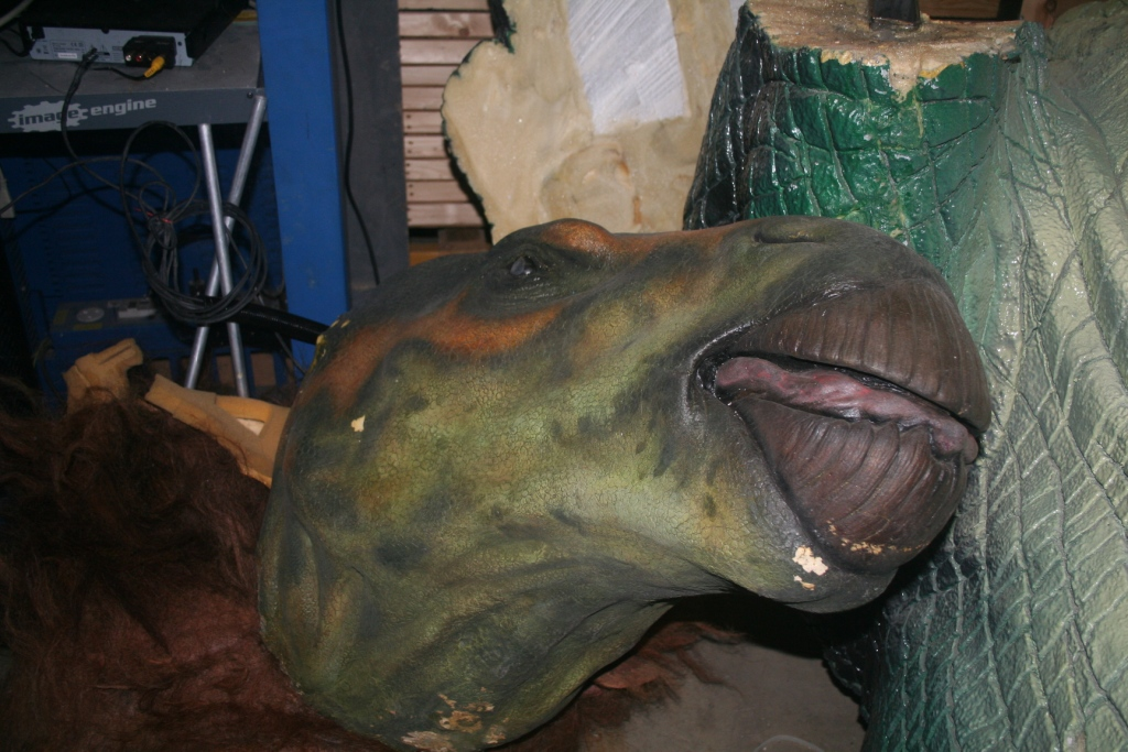 Purchase Buy Life Sized Dinosaur Models Bailiff - Iguanodon