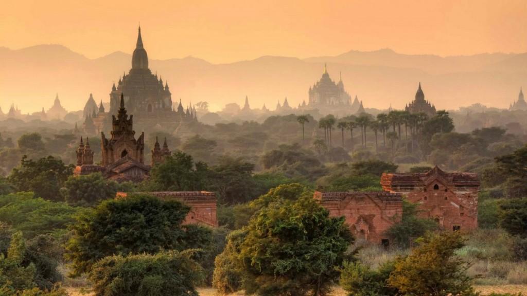 Burma - Myanamar - Bagan Temples 2