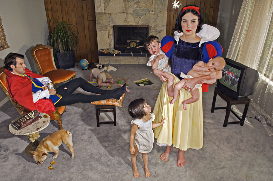 Dina Goldstein - Fallen Princesses - Photo Project - Snow White