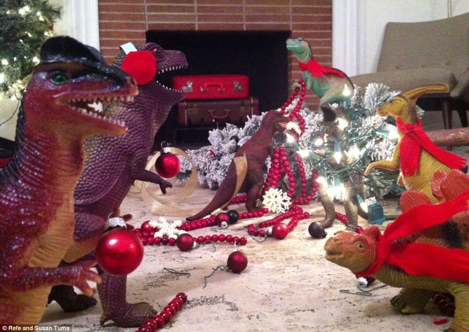 Dinovember - Christmas