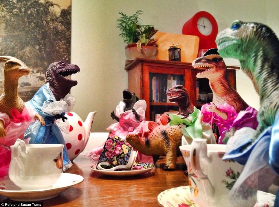 Dinovember - Tea Party