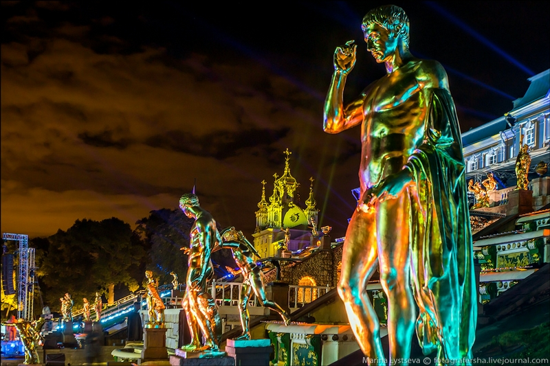 Peterhof Palace - St Petersburg - Russia by night - Statue 2