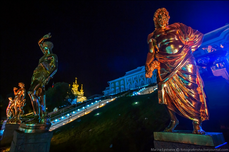 Peterhof Palace - St Petersburg - Russia by night - epic