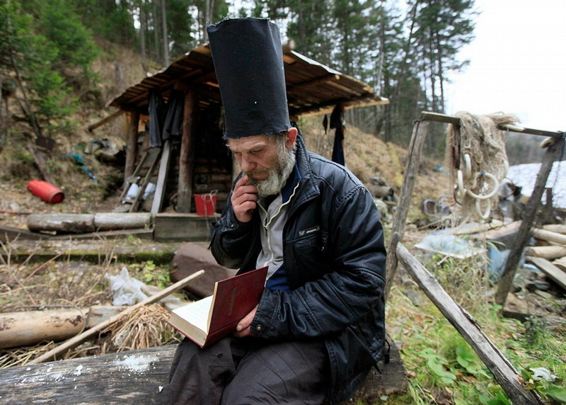 Siberian Hermit - Victor - Russia - In Hat