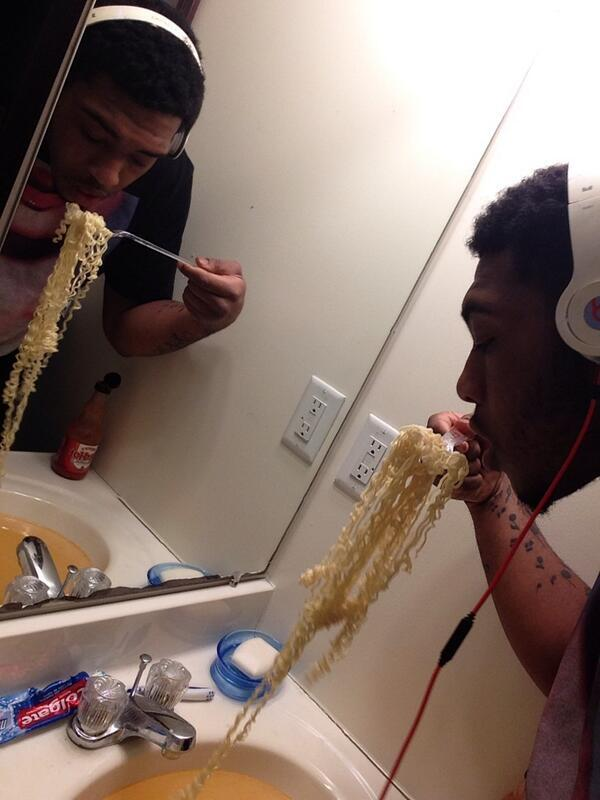 IncrediSelfies - Bathroom Dinner