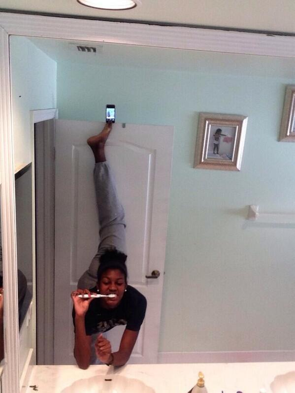 IncrediSelfies - Bathroom Limber