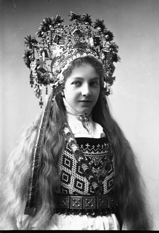 Norwegian Brides 1870-1920 - long hair